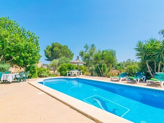 Spacious villa in Santanyí with Parking, Washing machine, Air conditioning, Pool