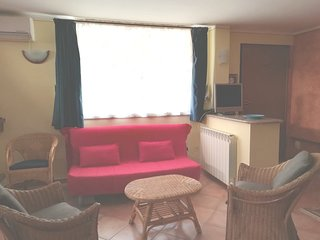 Spacious apartment in the center of Porto Torres with Parking, Internet, Washing