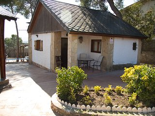Cozy house in Les Pinedes de l'Armengol with Parking, Washing machine, Pool, Gar