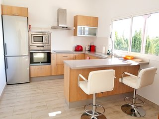 Spacious apartment in the center of Nazaret with Parking, Internet, Washing mach
