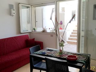 Cozy apartment in the center of Torre Dell'Orso with Parking, Washing machine