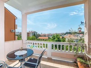 Cozy apartment very close to the centre of Banjol with Parking, Internet, Air co