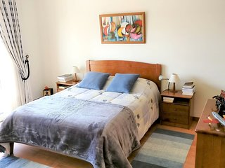 Cozy house in Lourinha with Parking, Internet, Washing machine, Balcony