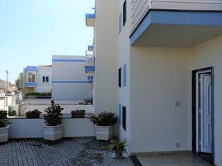 Cozy house in Lourinhã with Parking, Internet, Washing machine, Balcony