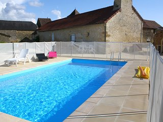 Spacious villa in the center of Archignac with Parking, Internet, Washing machin