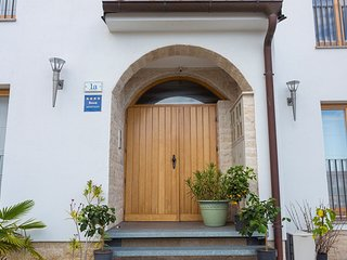 Cozy aparthotel very close to the centre of Rovinj with Parking, Internet, Washi