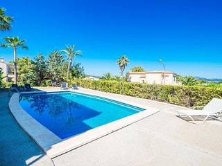 Cozy villa in the center of Santa Ponça with Parking, Internet, Washing machine,