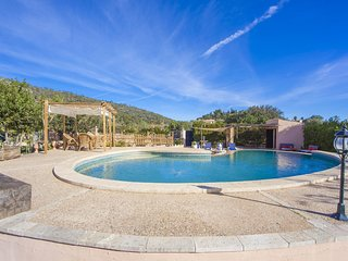 Cozy villa in Lloseta with Parking, Internet, Washing machine, Air conditioning