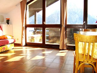 Cozy apartment close to the center of Venosc with Parking, Washing machine, Balc