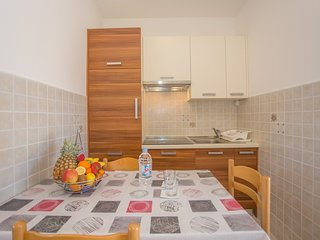 Cozy apartment in Poreč with Parking, Internet, Air conditioning
