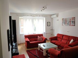 Cozy apartment in the center of Sarajevo with Internet, Washing machine, Air con