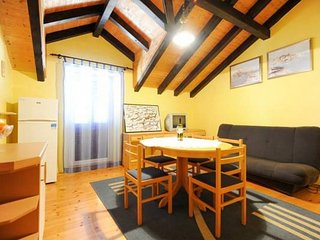 Cozy apartment in the center of Jezera with Internet, Air conditioning, Balcony