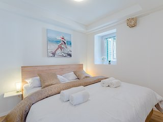 Cozy apartment in the center of Split with Internet, Washing machine, Air condit