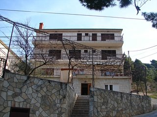 Cozy apartment in the center of Duce with Parking, Internet, Balcony, Terrace