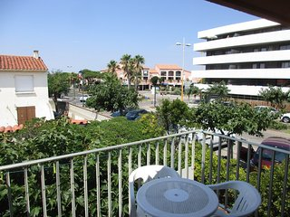 Cosy studio in the center of Le Barcarès with Parking, Washing machine, Balcony