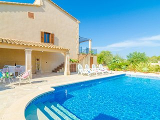 Spacious villa in Vilafranca de Bonany with Parking, Internet, Washing machine,
