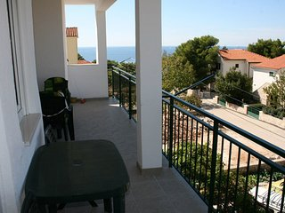 Cozy apartment in Primošten Burnji with Parking, Internet, Air conditioning, Bal