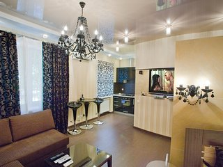 Cozy apartment very close to the centre of Kiev with Internet, Washing machine,