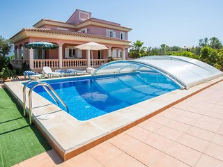 Spacious villa in Llucmajor with Parking, Internet, Washing machine, Pool