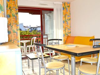 Cozy apartment very close to the centre of Hendaye with Parking, Internet, Washi