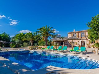 Spacious villa in Santanyí with Parking, Internet, Washing machine, Pool