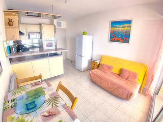 Cozy apartment close to the center of Palavas-les-Flots with Parking, Washing ma