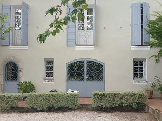 Spacious house very close to the centre of Six-Fours-les-Plages with Parking, In