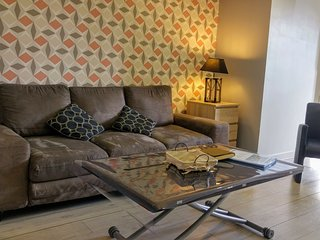 Spacious apartment in the center of Dieppe with Parking, Internet, Washing machi