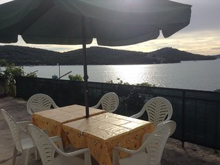 Spacious apartment in the center of Tisno with Internet, Air conditioning, Balco