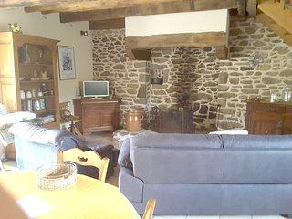 Cozy villa in Miniac-Morvan with Parking, Internet, Washing machine, Garden