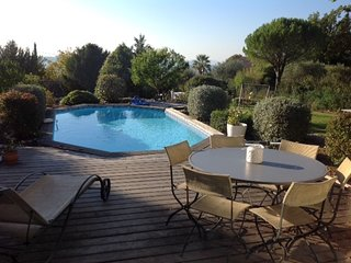 Spacious villa in the center of Tourrettes with Parking, Internet, Washing machi