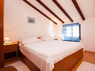 Cozy apartment in Primošten Burnji with Parking, Internet, Air conditioning, Bal