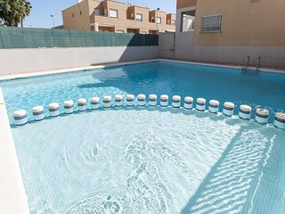 Spacious house in the center of Guardamar de la Safor with Washing machine, Air