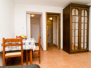 Cosy studio in the center of Drace with Parking, Internet, Terrace