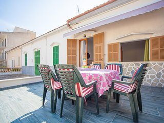 Spacious house a short walk away (108 m) from the 'Playa Can Picafort' in Can Pi