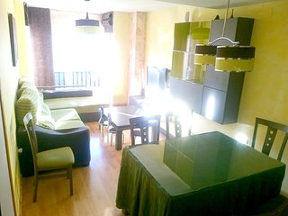 Spacious apartment in the center of Armilla with Lift, Parking, Internet, Washin
