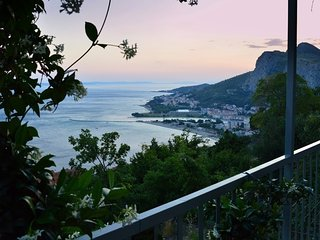 Cozy house in the center of Omiš with Parking, Internet, Air conditioning, Balco
