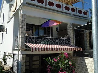 Cozy apartment in the center of Zambratija with Internet, Air conditioning, Terr