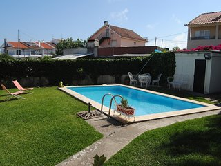 Cozy villa in Alcabideche with Parking, Internet, Washing machine, Air condition