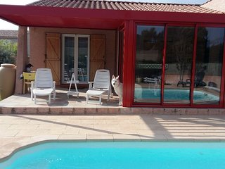 Spacious house in the center of Rustiques with Parking, Washing machine, Air con