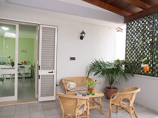Cozy apartment in the center of Torre Dell'Orso with Air conditioning, Balcony