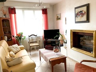 Cozy house in the center of Gravelines with Parking, Internet, Washing machine,