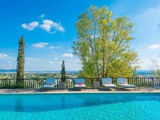 Spacious villa in Lloseta with Internet, Washing machine, Pool, Terrace