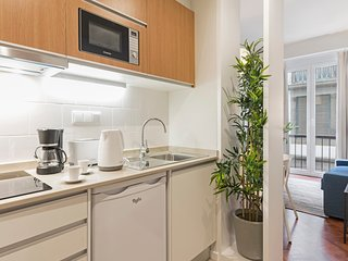 Cozy apartment close to the center of Funchal with Internet, Washing machine, Ai