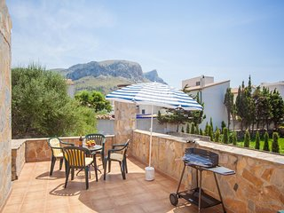 Spacious apartment in the center of Colonia de Sant Pere with Internet, Washing