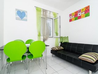 Cozy apartment in Korita with Parking, Internet, Air conditioning, Terrace