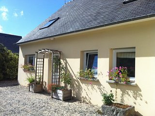 Cozy house in Penvénan with Parking, Washing machine, Garden, Terrace