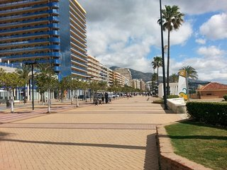 Spacious apartment a short walk away (65 m) from the 'Playa de Los Boliches' in