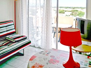 Cozy apartment in Saint-Cyprien with Parking, Balcony