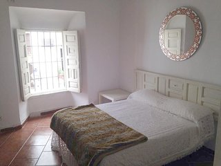 Spacious house in the center of Córdoba with Parking, Internet, Washing machine,